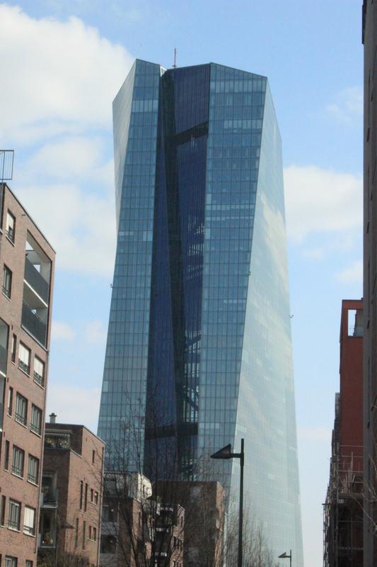 Mario Draghi stützt EU Aktienmärkte