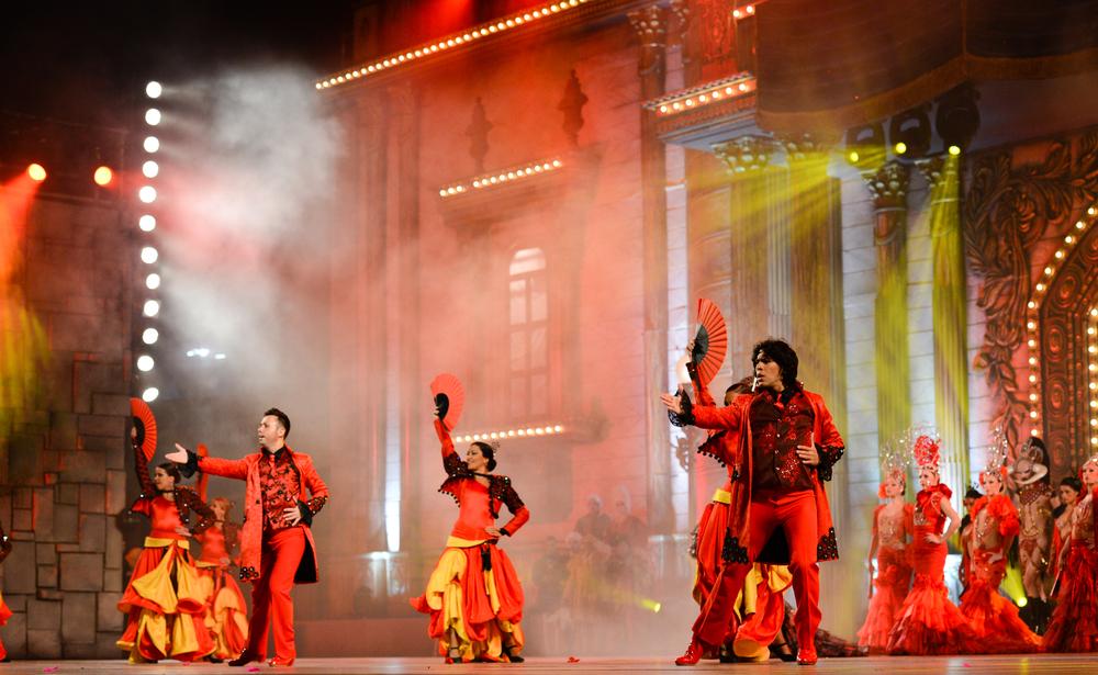 Flamenco-Tänzer bei einer Show auf der Bühne