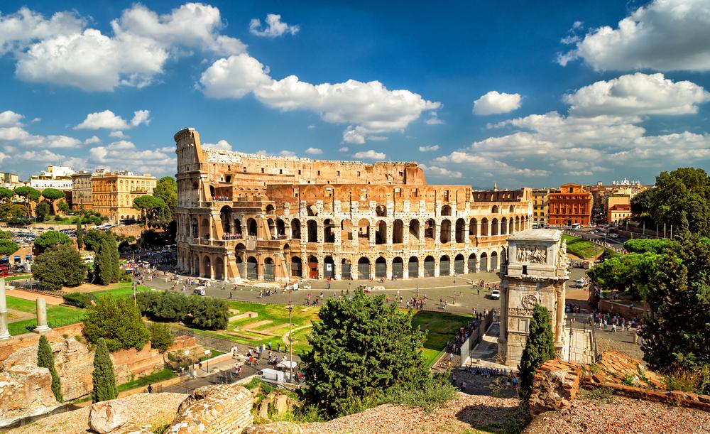 Kolosseum und Konstantinbogen in Rom