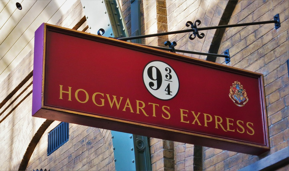 Der Hogwarts-Express ist der Zug in Harry Potter.