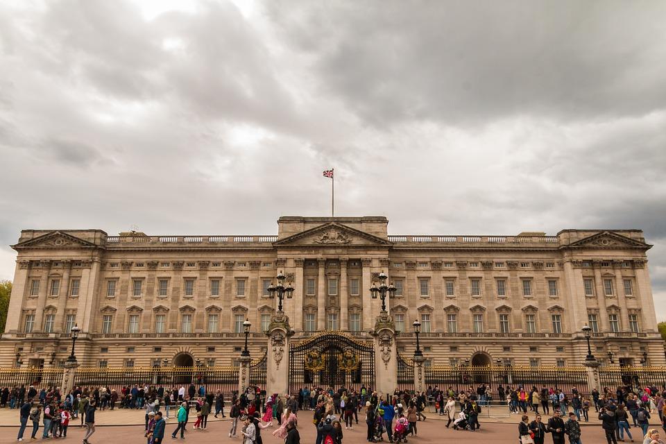 Der Buckingham Palace ist eine beliebte Sehenswürdigkeit.