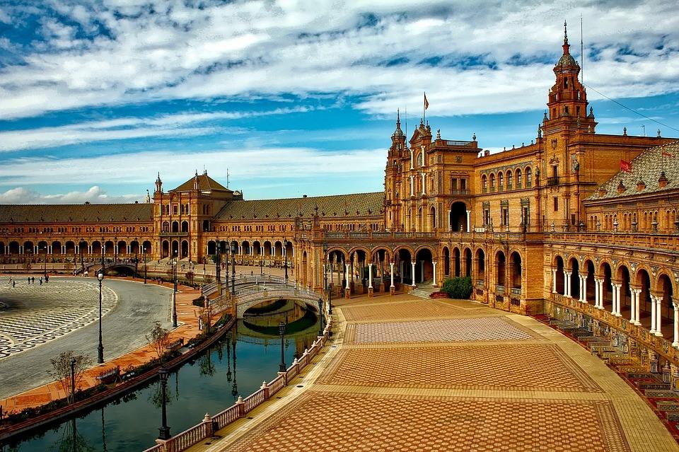 Sevilla ist die Hauptstadt Andalusiens.
