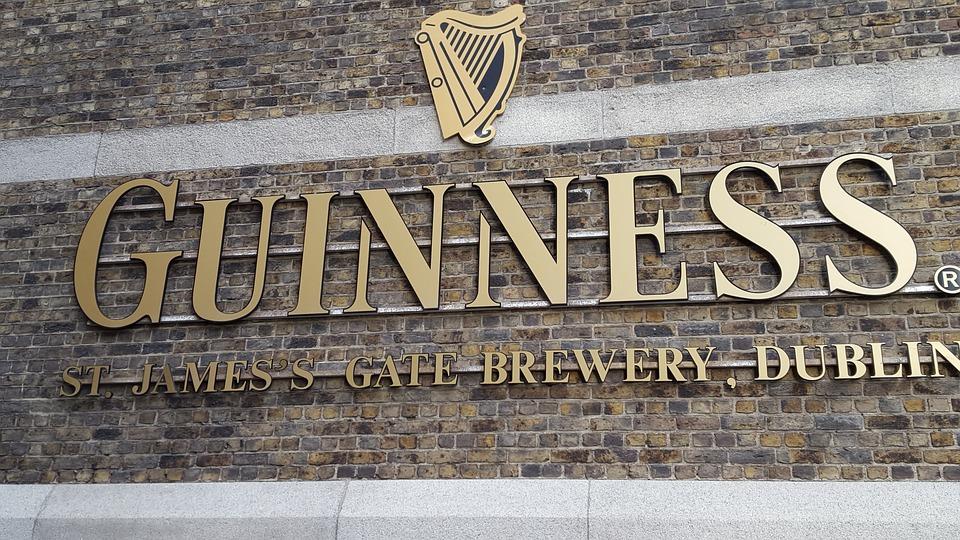 Das Guinness Storehouse steht in Dublin.