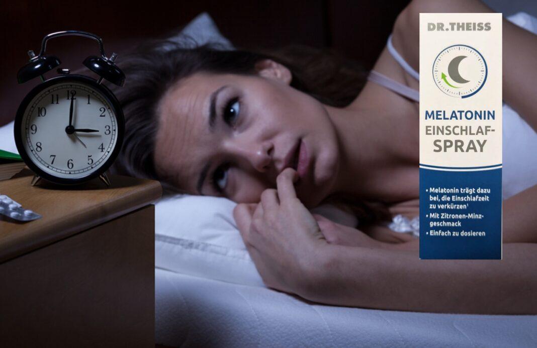 Dr. Theiss Melatonin Spray: Melatonin Spray hilft beim Entspannen, Einschlafen und Durchschlafen, Junge Frau schaut nachts um 3 Uhr auf ihren Wecker