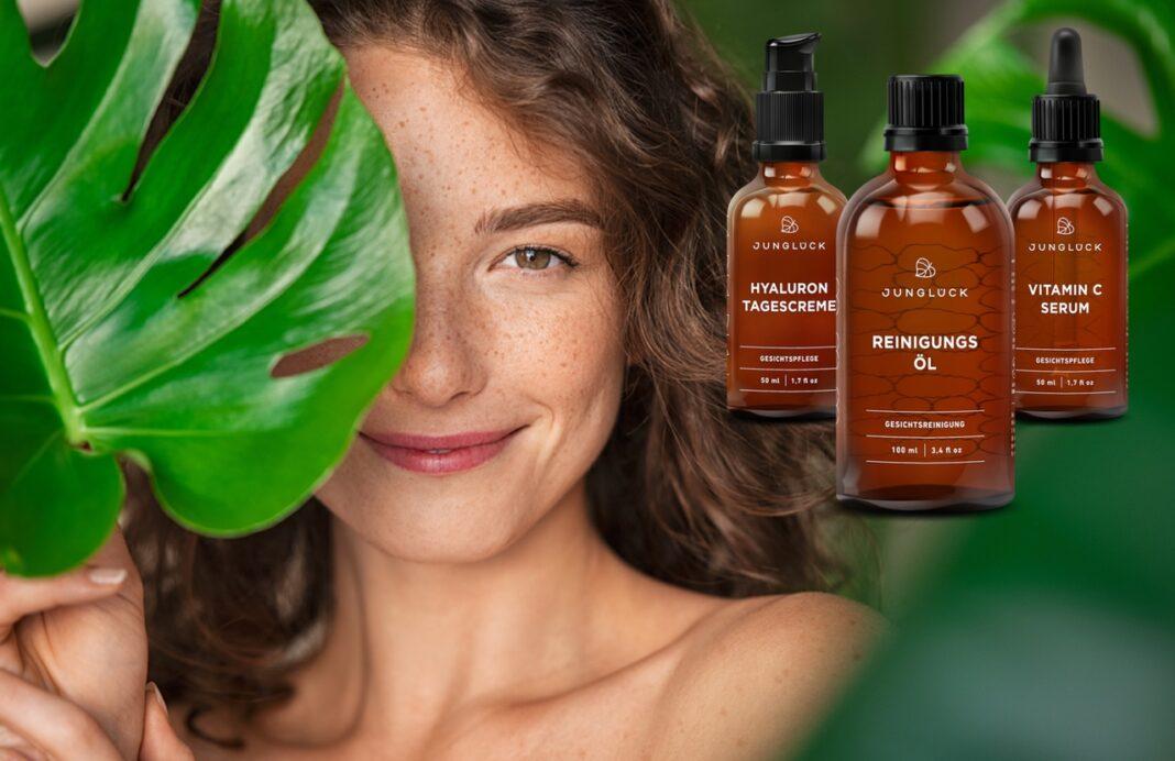 Junglück nachhaltige Naturkosmetik mit natürlichen Inhaltsstoffen, vegan ohne Tierversuche, Frau mit Blatt und Junglueck Produkten
